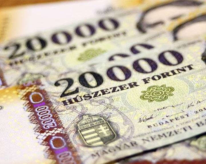 Több száz milliárd forintot spórolhat az ország a készpénzmentes fizetéssel