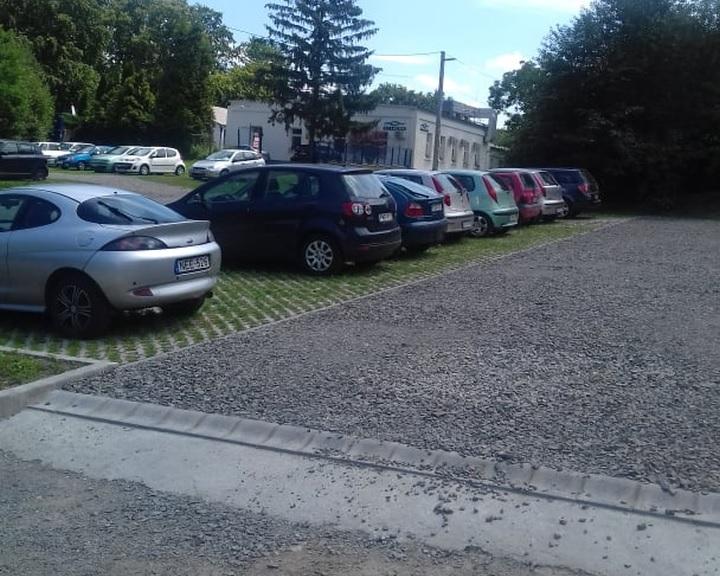 Kulturált parkolás Anna aknán
