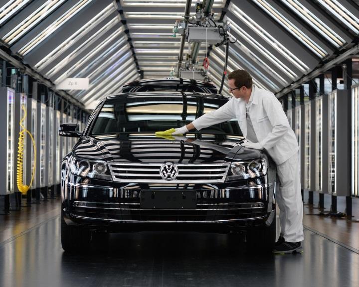 Pert indítottak részvényesek a Volkswagen csoport ellen Németországban