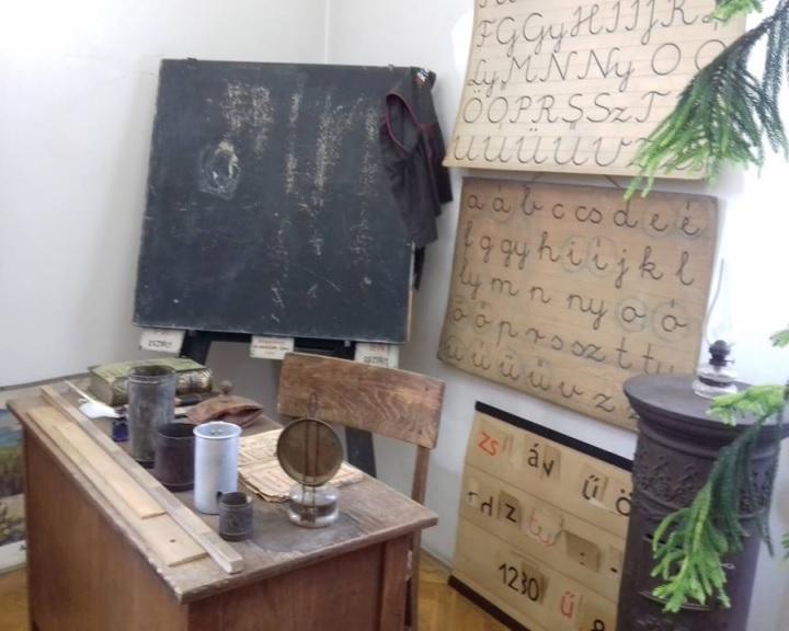 Időutazó iskolások Komlón