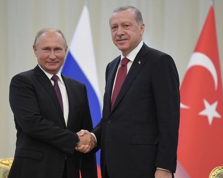 Idlíbi demilitarizált övezet létrehozásáról állapodott meg Putyin és Erdogan
