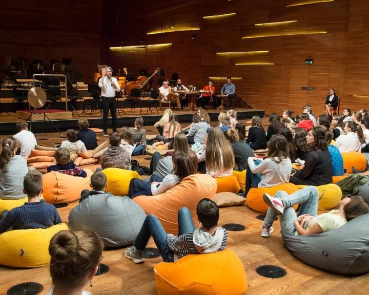 Egy koncertről tart két beavató programot szombaton a PFZ Pécsen