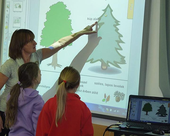 Átadták a pécsi német iskolaközpont új létesítményeit