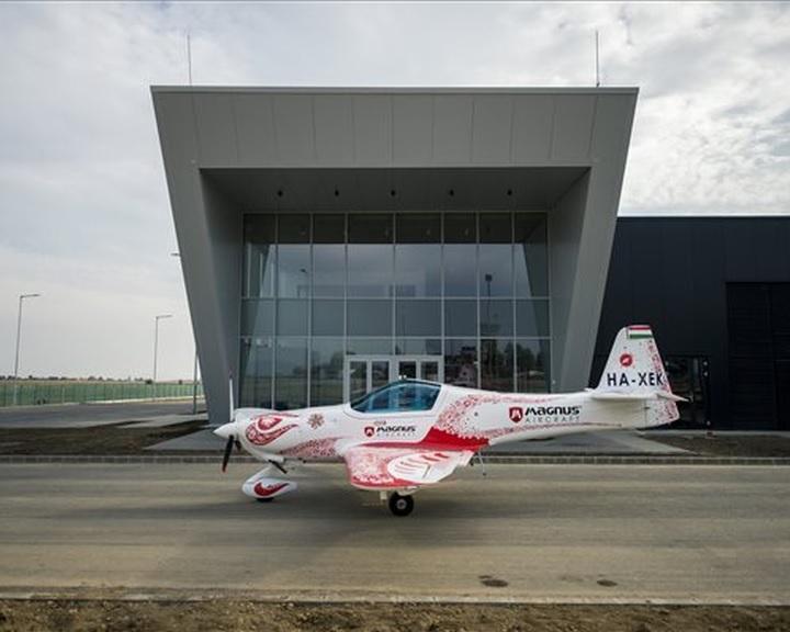 Október végén indul a termelés a Magnus Aircraft pécs-pogányi repülőgépgyárában