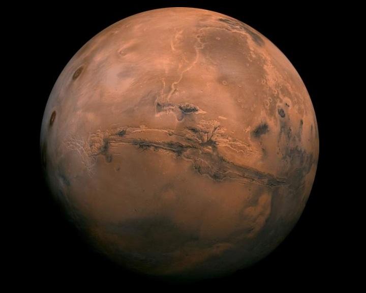 Elegendő oxigént biztosíthat az élet számára a Marson lévő víz