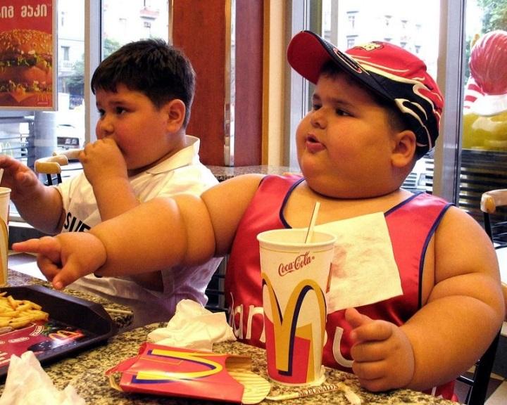 A kisgyerek bélflórája előjelezheti a későbbi elhízás kockázatát
