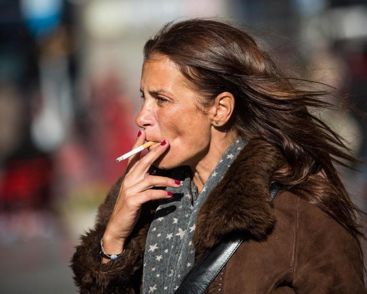 A dohányzás, a cukorbaj és a magas vérnyomás jobban növeli a nők szívrohamkockázatát