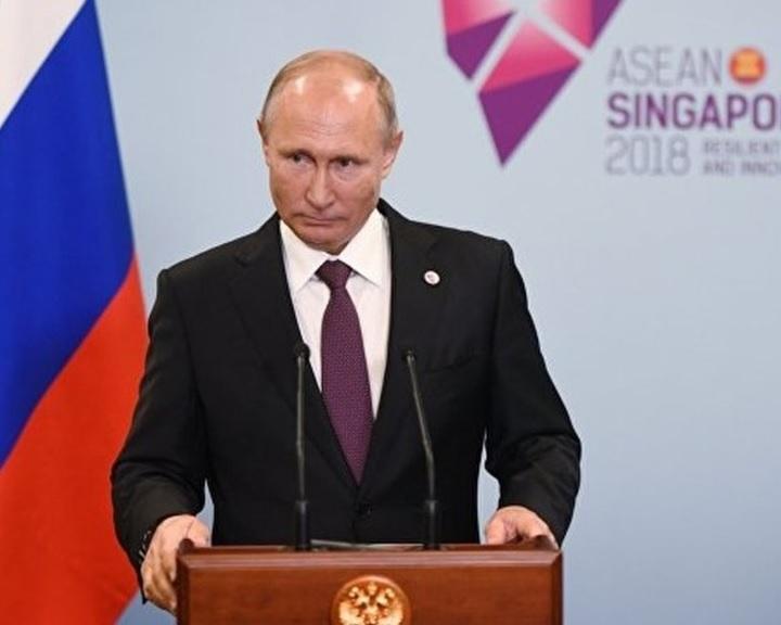Putyin: Európának segítenie kell a szíriai újjáépítést