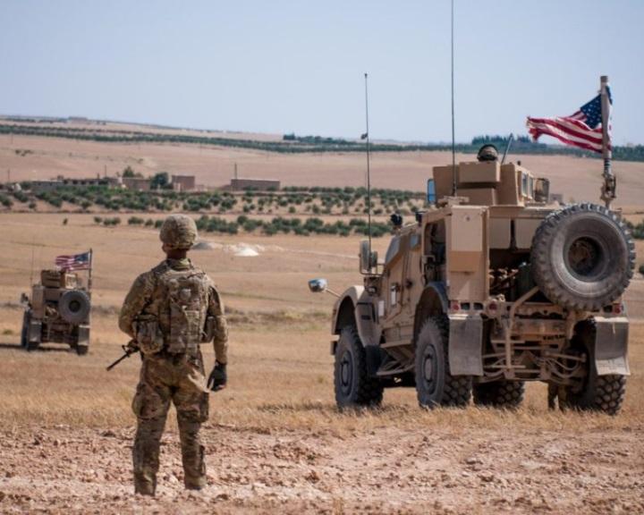 Szíria - Trump megerősítette, hogy lassítja a csapatkivonást