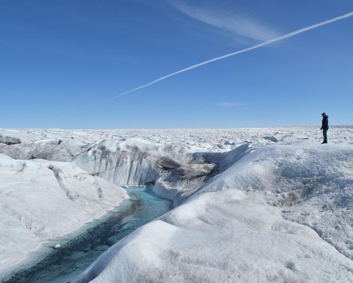 Az olvadó grönlandi jégtakaró folyamatosan bocsát ki metángázt a légkörbe