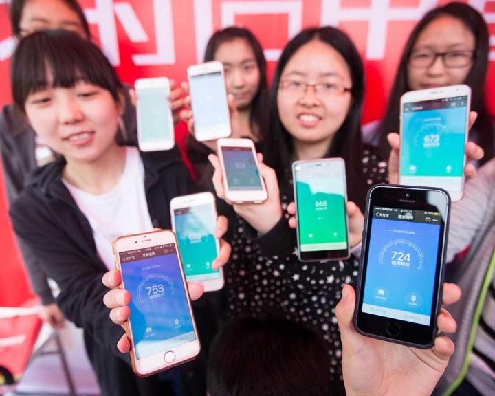 Soros szerint halálosan veszélyes Kína társadalmat ellenőrző rendszere
