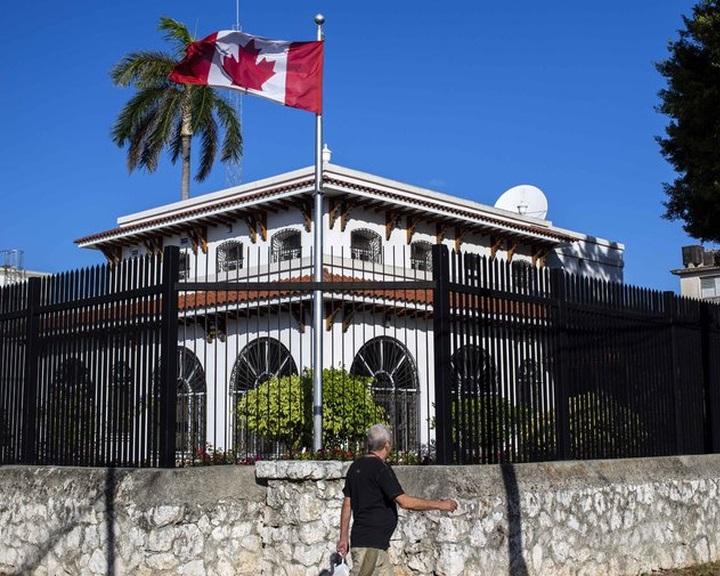 Kanada felére csökkenti kubai nagykövetségének személyzetét