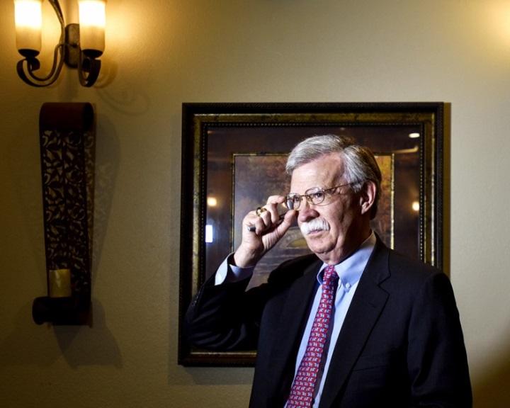 John Bolton: nem lesz amerikai katonai beavatkozás a közeljövőben
