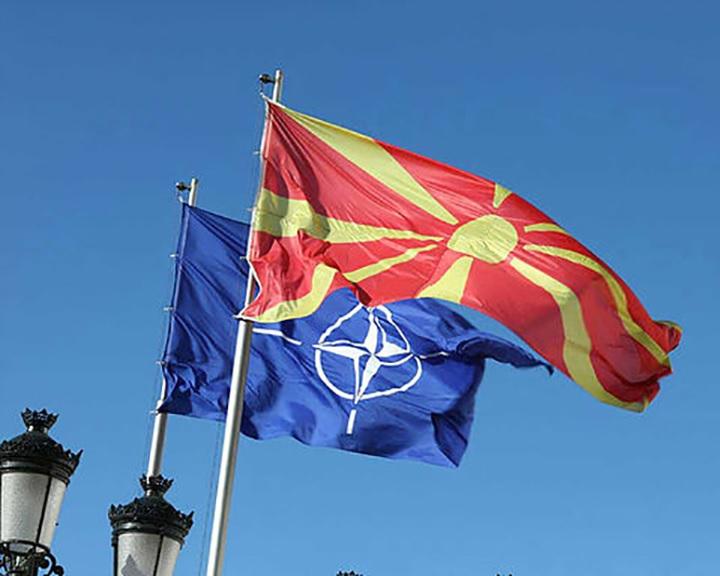 Észak-Macedónia aláírta a NATO-csatlakozásról szóló jegyzőkönyvet