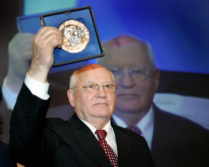 Gorbacsov: a nukleáris fegyverkezési versenynek nem lesz győztese