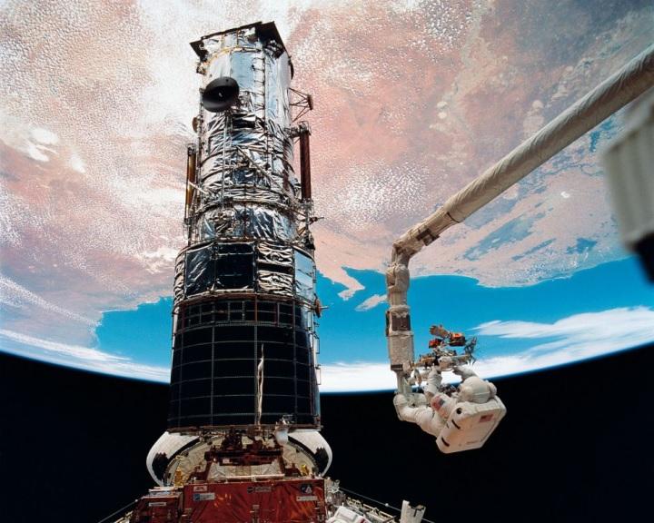 Az űrben épülhetnek a jövő távcsövei