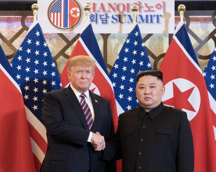 Észak-Korea: Az amerikai elnök szerint folytatják majd a tárgyalásokat