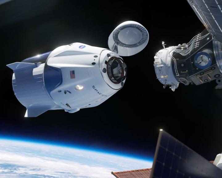 A NASA engedélyezte a SpaceX személyszállító űrhajójának első tesztrepülését