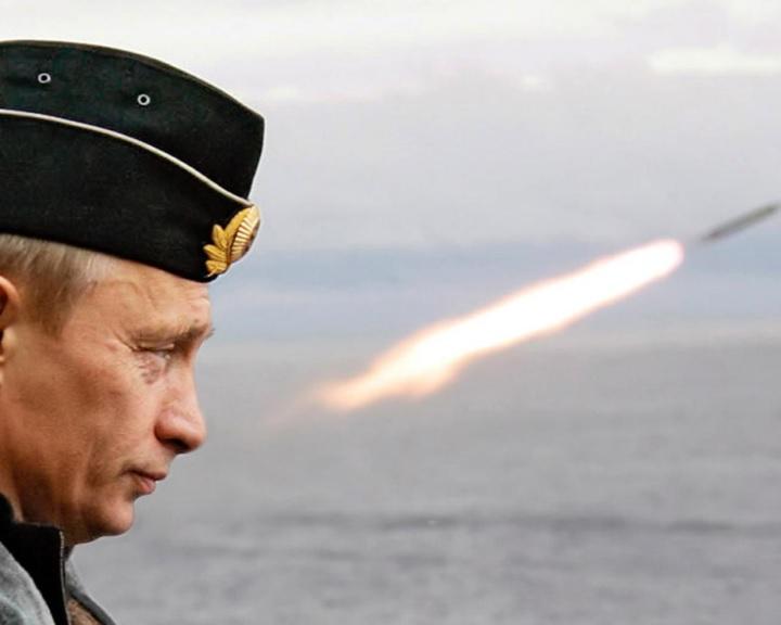 Putyin felfüggesztette az INF-szerződés Moszkva általi végrehajtását