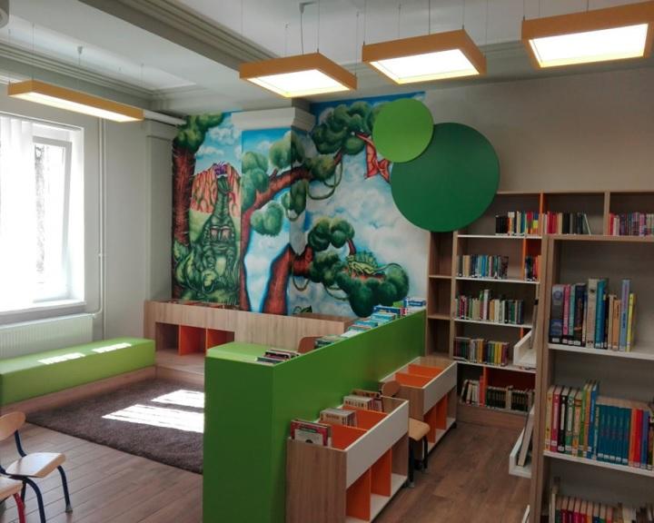 Akadálymentesítés a komlói könyvtárban