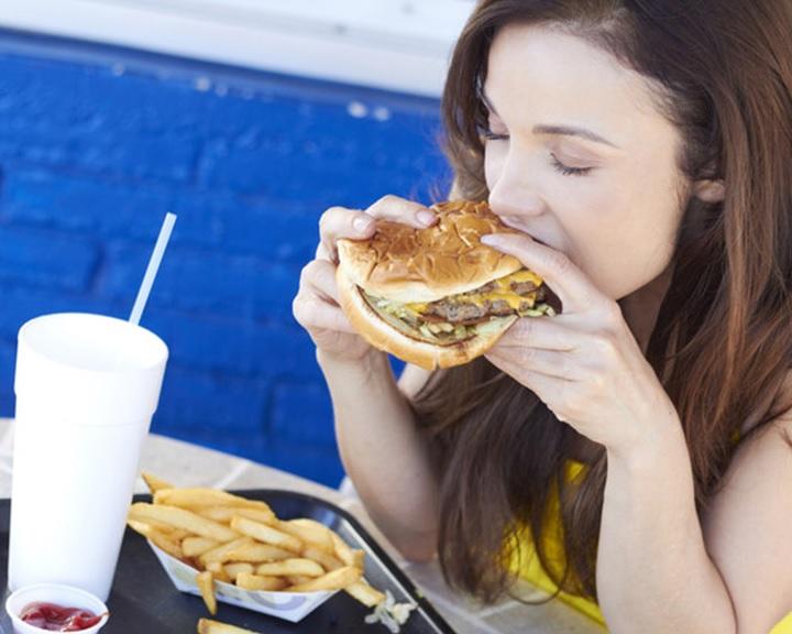 Az étkezés több embert öl meg évente, mint a dohányzás