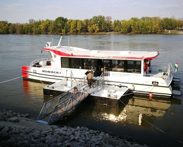 Ötvenszemélyes kirándulóhajóval bővült Mohács turisztikai kínálata
