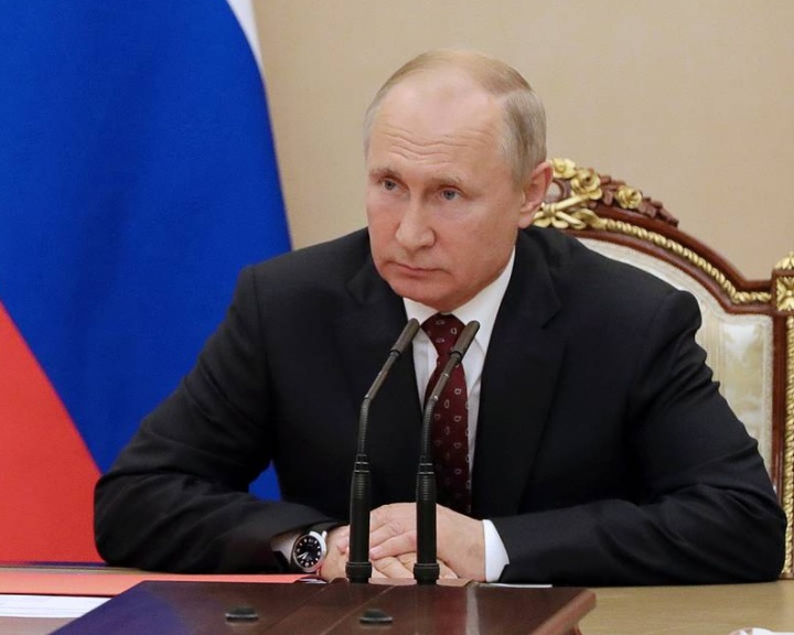 Putyin az orosz törvényhozás elé terjesztette az INF-szerződés felfüggesztését