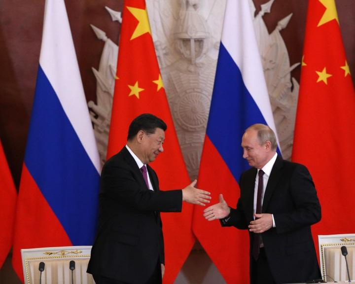 Putyin és Hszi példátlanul szorosnak nevezte Moszkva és Peking kapcsolatát