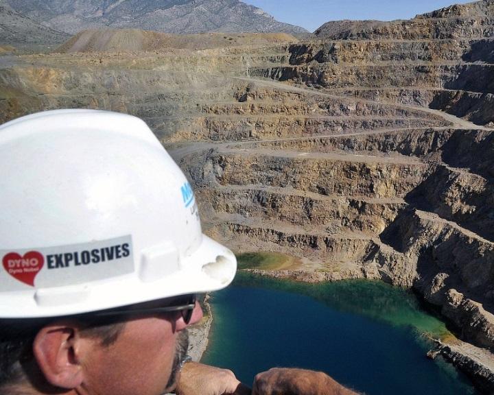 Ritkaföld-fém-forrásokat keres az USA