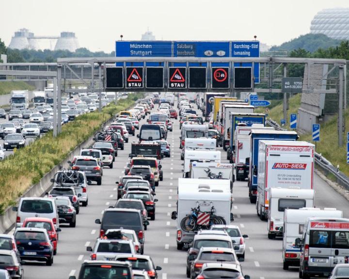 EB: uniós jogot sért a német autópályadíjakra vonatkozó szabályozás