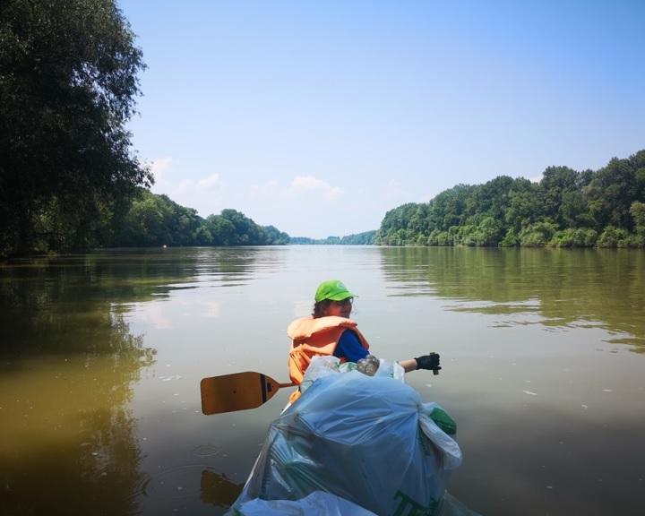 A PET Kalózok naponta egy tonna műanyagtól mentesítették a Tisza-tavat