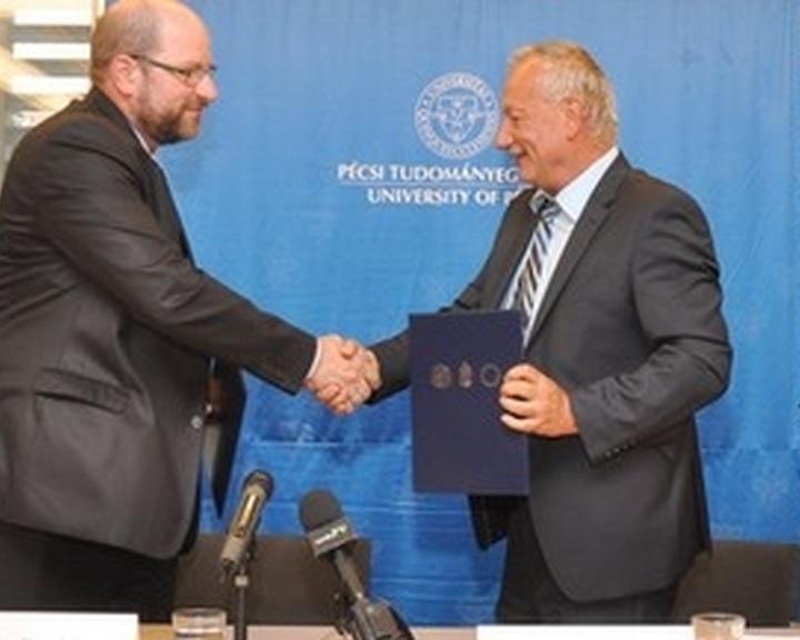 Élelmiszeripari együttműködésbe kezd a Bonafarm és a PTE