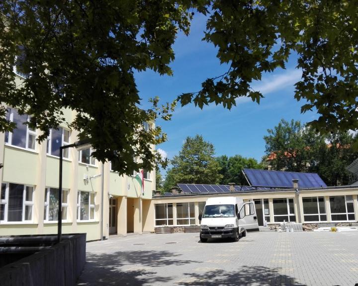 Iskolafelújítások Komlón