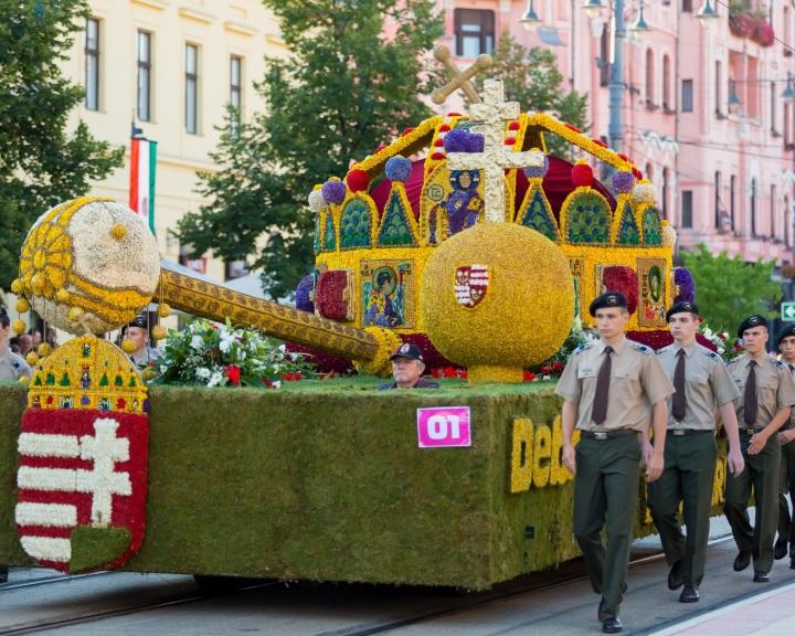 Az ötvenedik virágkarneválra készülnek Debrecenben