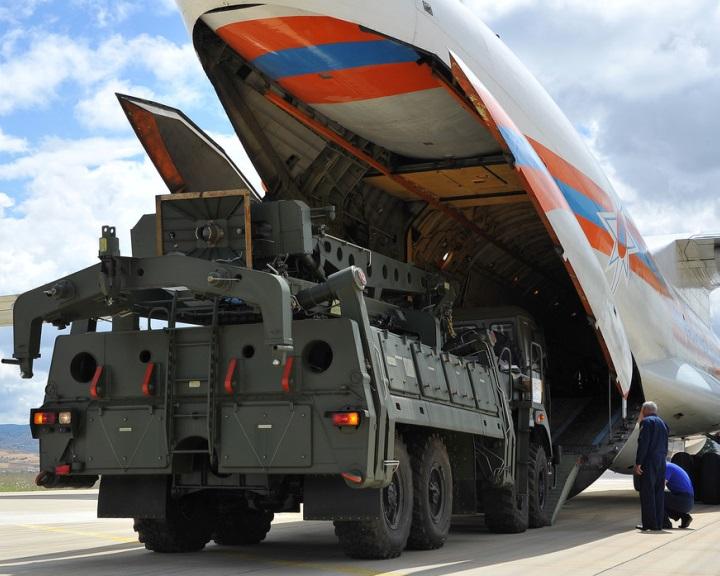 Ankara: lezárult az orosz légvédelmi rendszer leszállításának első üteme