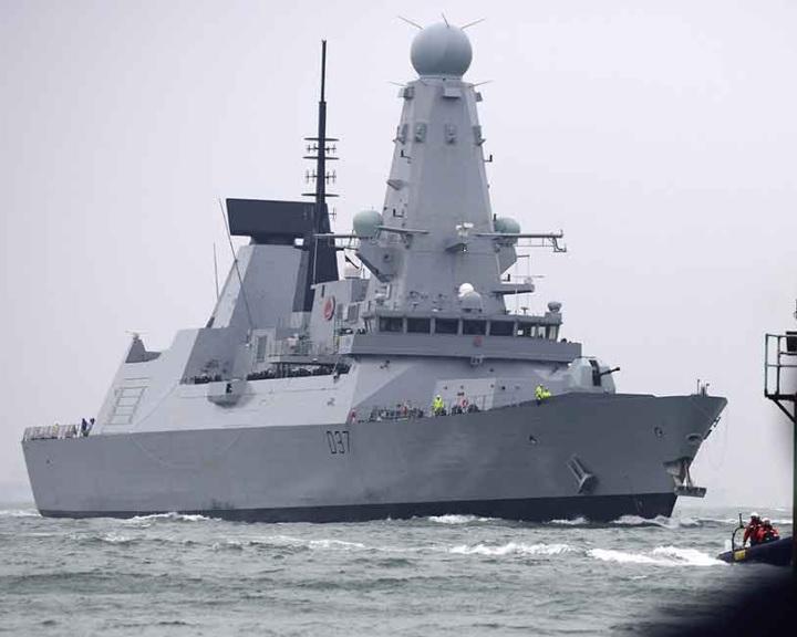 A Perzsa-öbölbe érkezett a brit haditengerészet Duncan nevű rombolója