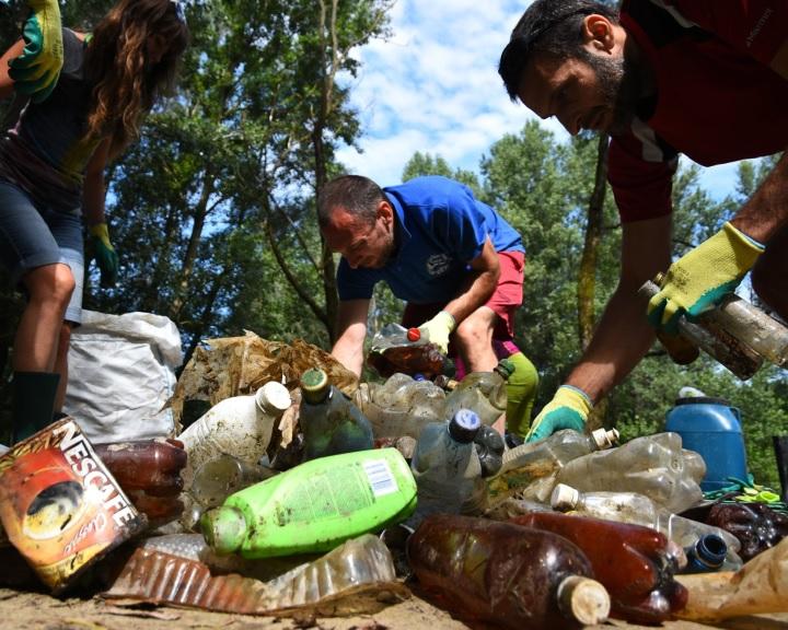Tizenhét hajóval indul szombaton a hulladékderbi a Felső-Tiszán