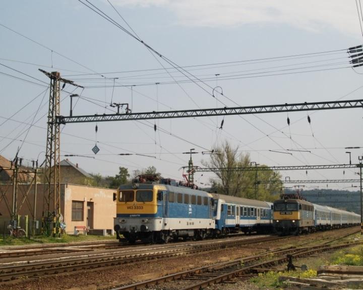 Dél-Dunántúlon két helyen is elmosta a víz a vasúti pályát