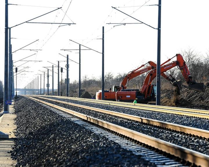 Hétfőtől változik a menetrend a Budapest-Pusztaszabolcs-Dombóvár-Pécs vasútvonalon