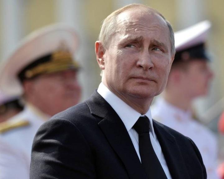 Putyin: Moszkva kénytelen lesz új nukleáris rakétákat kifejleszteni