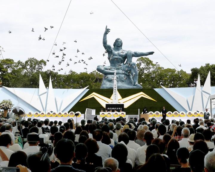 A Nagaszaki elleni atomtámadás áldozataira emlékeztek Japánban