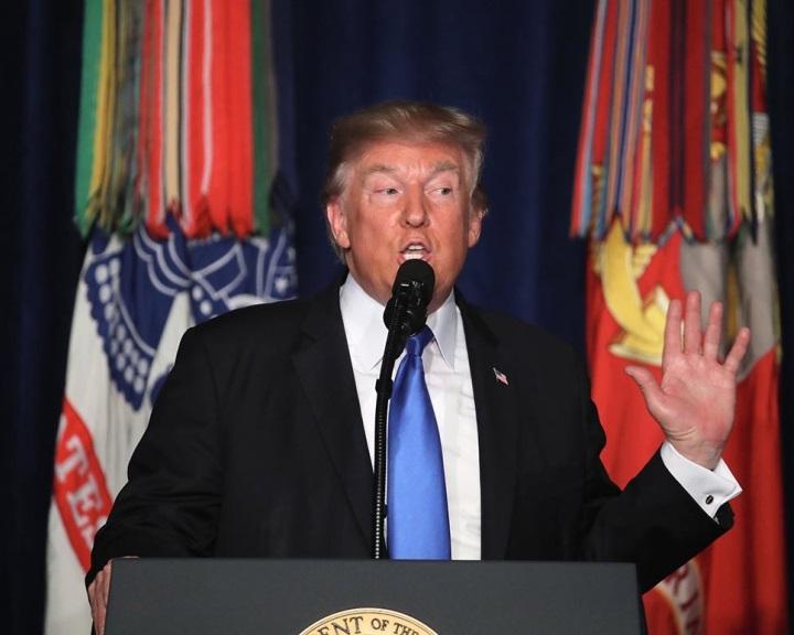 Trump a közelinek remélt afganisztáni békéről tanácskozott a kormányzata tagjaival
