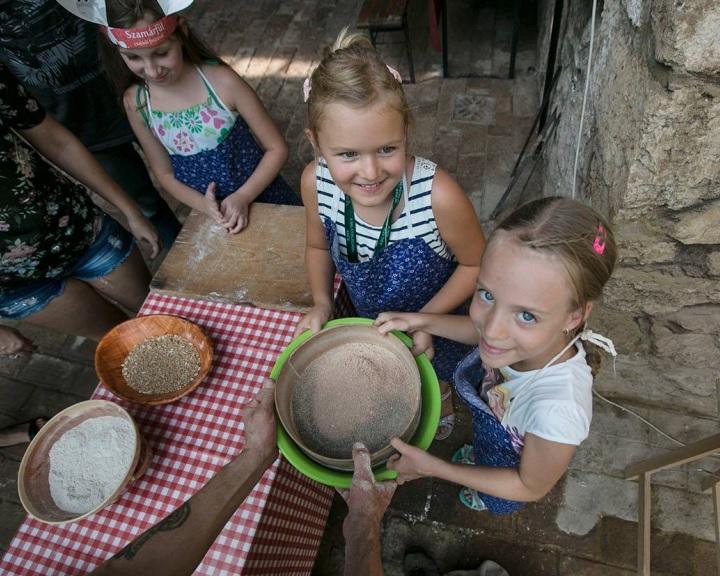 Csaknem száz program a pécsi Szamárfül fesztiválon