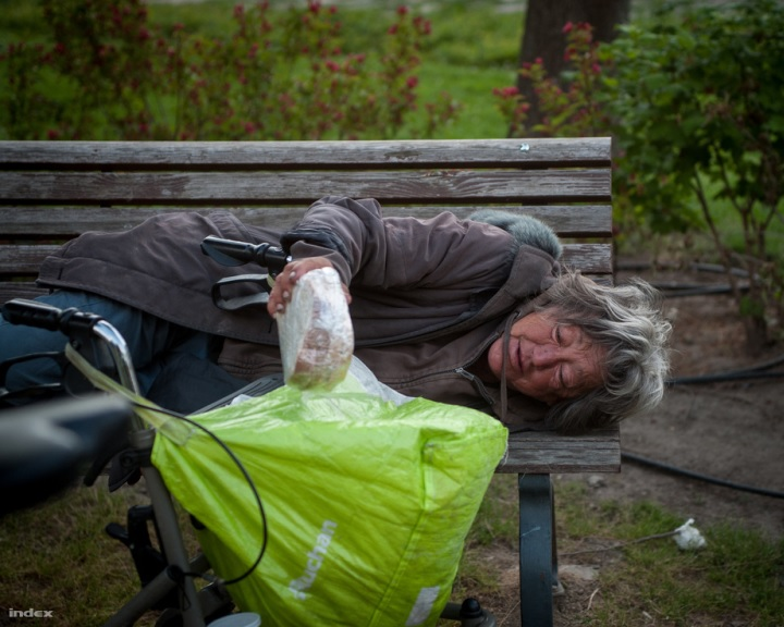 Százmilliós fejlesztés a pécsi hajléktalan-ellátásban