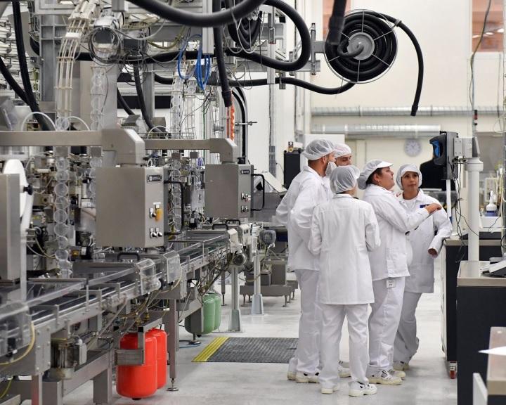 Felavatták a BAT Pécsi Dohánygyár új üzemét