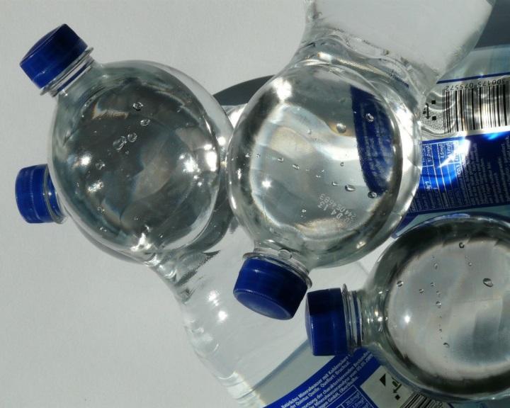 Megszünteti a PET-palackos italok beszerzését a Pécsi Tudományegyetem
