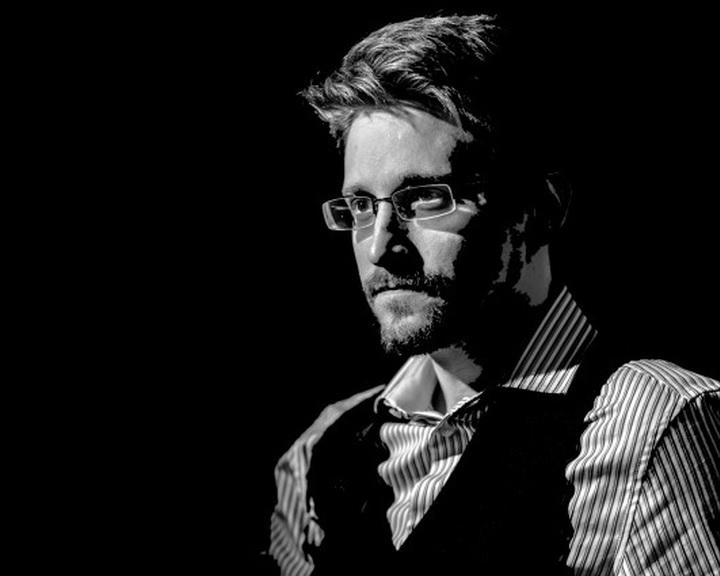 Az Oroszországban élő Edward Snowden visszatérne az Egyesült Államokba