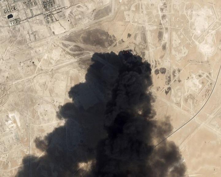 Szaúdi és amerikai szakértők szerint Iránból indult a hétvégi légi támadás