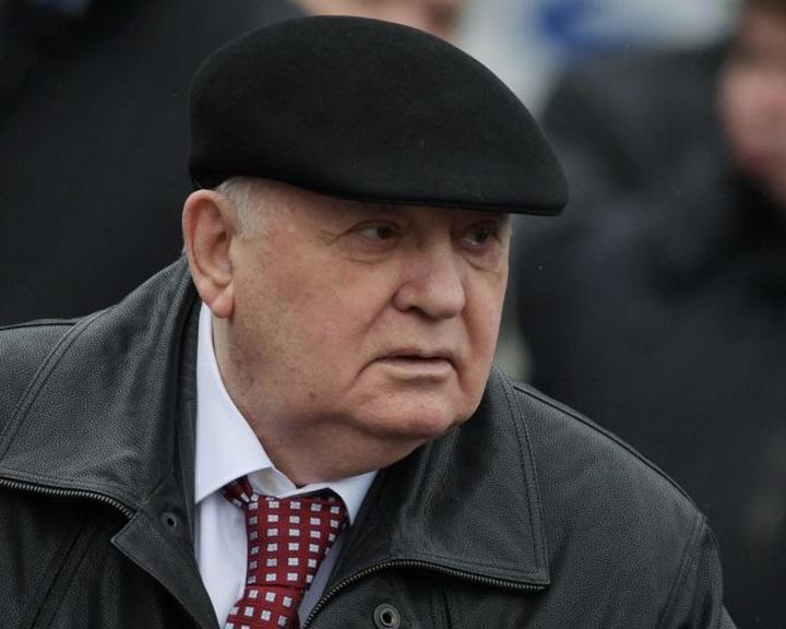 Gorbacsov orosz-amerikai nukleáris fegyverzetkorlátozási tárgyalásokat sürget