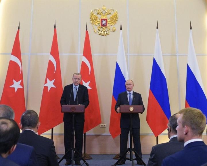 Putyin és Erdogan megállapodott a kurd milíciák török határtól való kivonulásáról